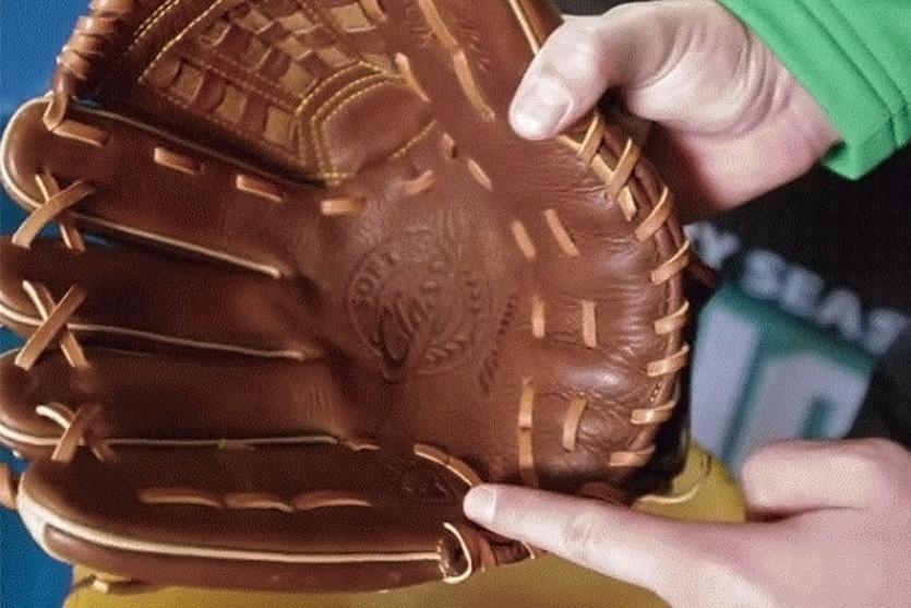 baseball glove how to break in a glove