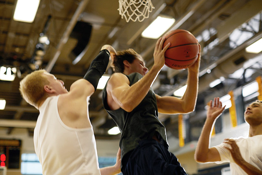 Guide-to-Common-Basketball-Fouls-and-Violations