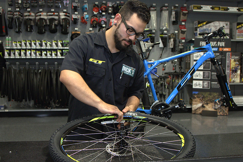 Fixing A Flat With An Inner Tube Pro Tips By Dick S Sporting Goods